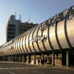 ضبط سعودي بمطار القاهرة قادم من جدة وبحوزته 22 سيفا