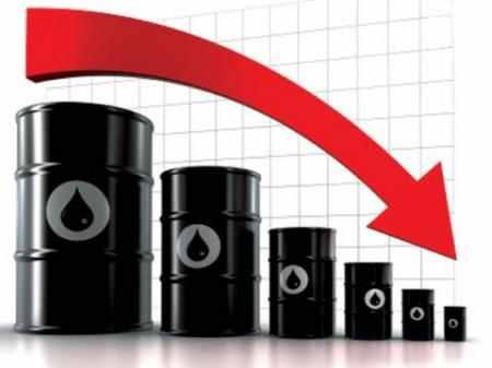 تراجع أسعار النفط بشكل حاد وخام برنت ينخفض 2.01 دولار