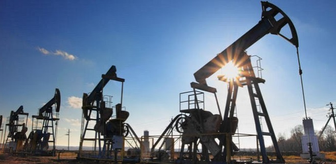 النفط يواصل ارتفاعه مع تراجع المخاوف بشأن احتمال انسحاب بريطانيا من الاتحاد الأوروبي