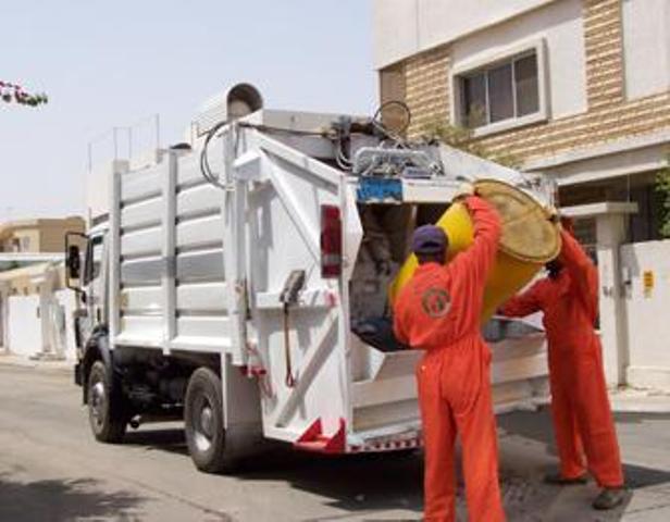 محاولات فرض رسوم على إزالة النفايات يثير غضب المواطنين
