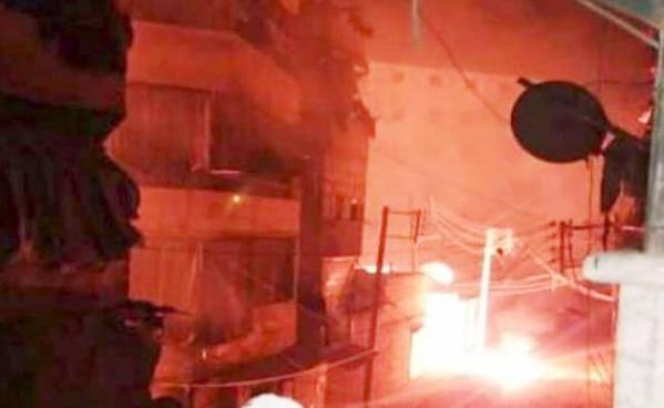 الطائرات الروسية والنظام تقصف مخيم حندرات في حلب بالقنابل الفوسفورية