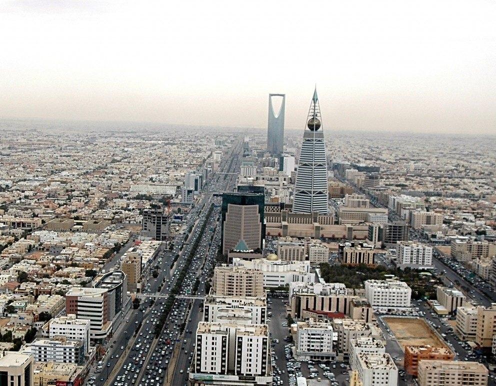 الرياض: إغلاق جزئي لطريق الملك فهد باتجاه الشمال لمدة 11 يومًا.. وهذه هي الطرق البديلة