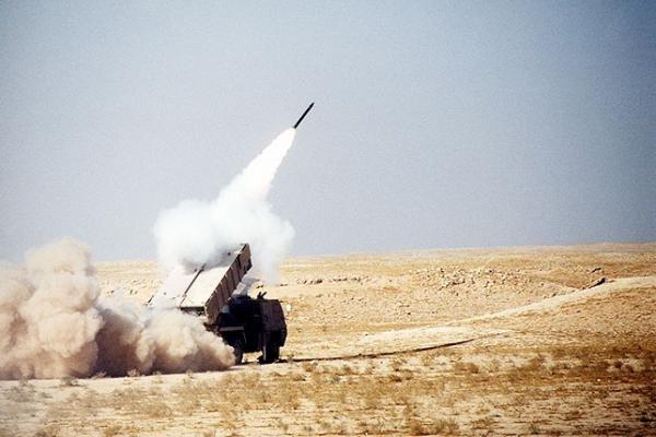 """""""الدفاع الجوي"""" يعترض صاروخًا بالستيًا أطلقته الميليشيا الحوثية باتجاه المملكة"""