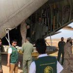 الطائرات الإغاثية الأولى من الجسر الجوي السعودي تصل لمساعدة أهالي سقطرى