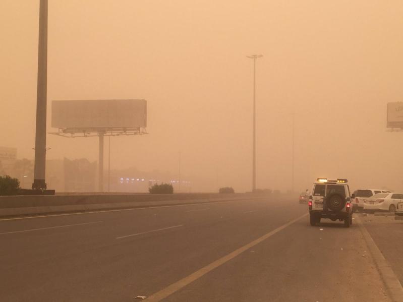 استمرار نشاط الرياح السطحية المثيرة للأتربة على مكة ونجران