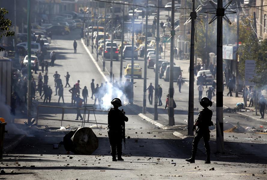 قوات الاحتلال تهاجم مسيرات شرق قطاع غزة