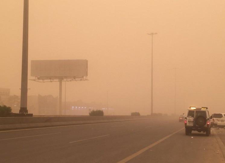 توقعات طقس الثلاثاء.. رياح نشطة وغبار يعيق الرؤية على عدة مناطق