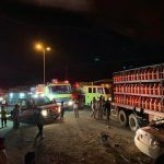 حادث مروع لمركبة دخلت تحت شاحنة غاز.. واحتجاز 3 أشخاص
