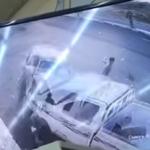 بالفيديو.. نجاة شاب من الموت بعد اصطدام سيارة مُسرعة بمركبته في جازان