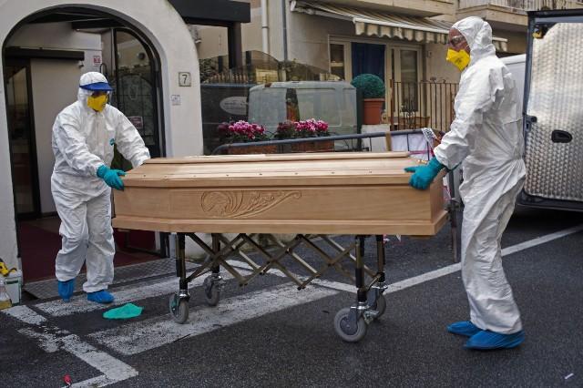 """وفاة 743 مصابًا في إيطاليا بسبب """"كورونا"""" خلال 24 ساعة"""