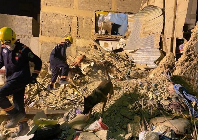 """وفاة شخصين وإصابة خمسة آخرين إثر انهيار منزل شعبي في """"عتيقة الرياض"""""""