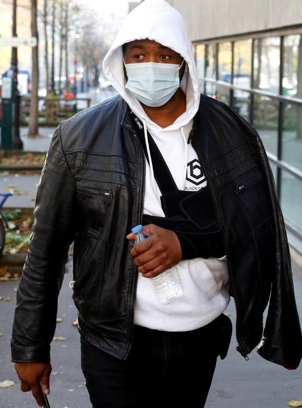 فرنسا.. فتح تحقيق رسمي مع رجال شرطة ضربوا رجلاً أسوداً