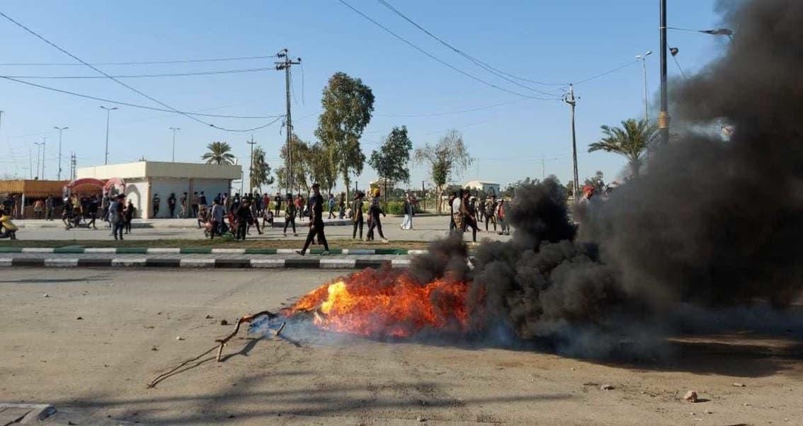 العراق.. 16 جريحاً من المحتجين وقوات الأمن في تظاهرات ذي قار
