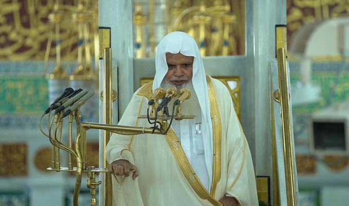 إمام المسجد النبوي: عظموا نعمة الإيمان والقرآن