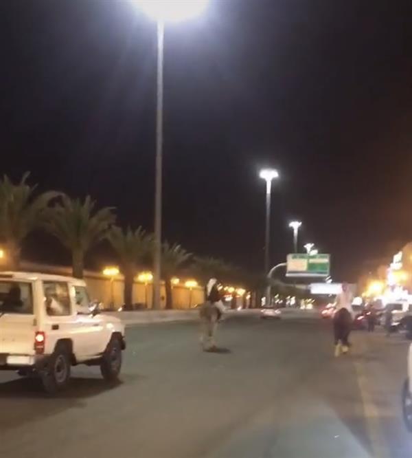 """""""المرور"""": ضبط أصحاب مركبات وخيول تجمعوا في مسيرة مخالفة بتبوك"""
