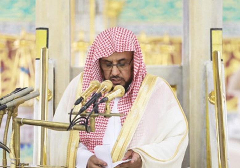 إمام المسجد النبوي: احذروا التفريط في الفرائض بعد رمضان