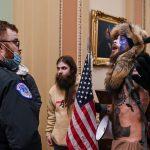 انتحار 4 رجال أمن ممن تعاملوا مع الهجوم على مبنى الكونغرس في يناير