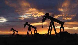 النفط يسجل تعافيا ويتجاوز الـ 52 دولارا