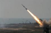 """إصابة وافد إثر إطلاق """"ميليشيا الحوثي"""" صاروخ بالستي باتجاه جازان"""